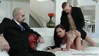 Tattoo Punk Wife Swings For Her Man To Know Better